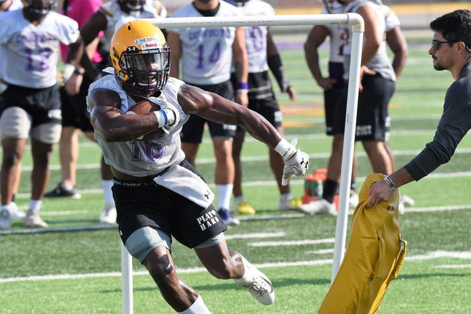 Hardin-Simmons running back Jaquan Hemphill (16) runs through a drill during the first fall practice at Shelton Stadium on Thursday, Aug. 15, 2019. The Cowboys open the season on Aug. 31 at Sul Ross State.