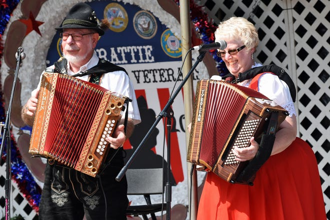 Ken and Mary perform during the Bucyrus Bratwurst Festival's Boyd Long Opening Ceremony.