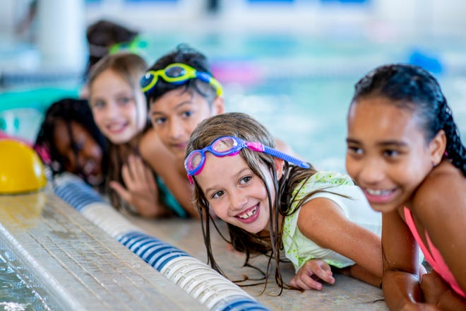 Some common-sense guidelines for protecting your children at pools and beaches.