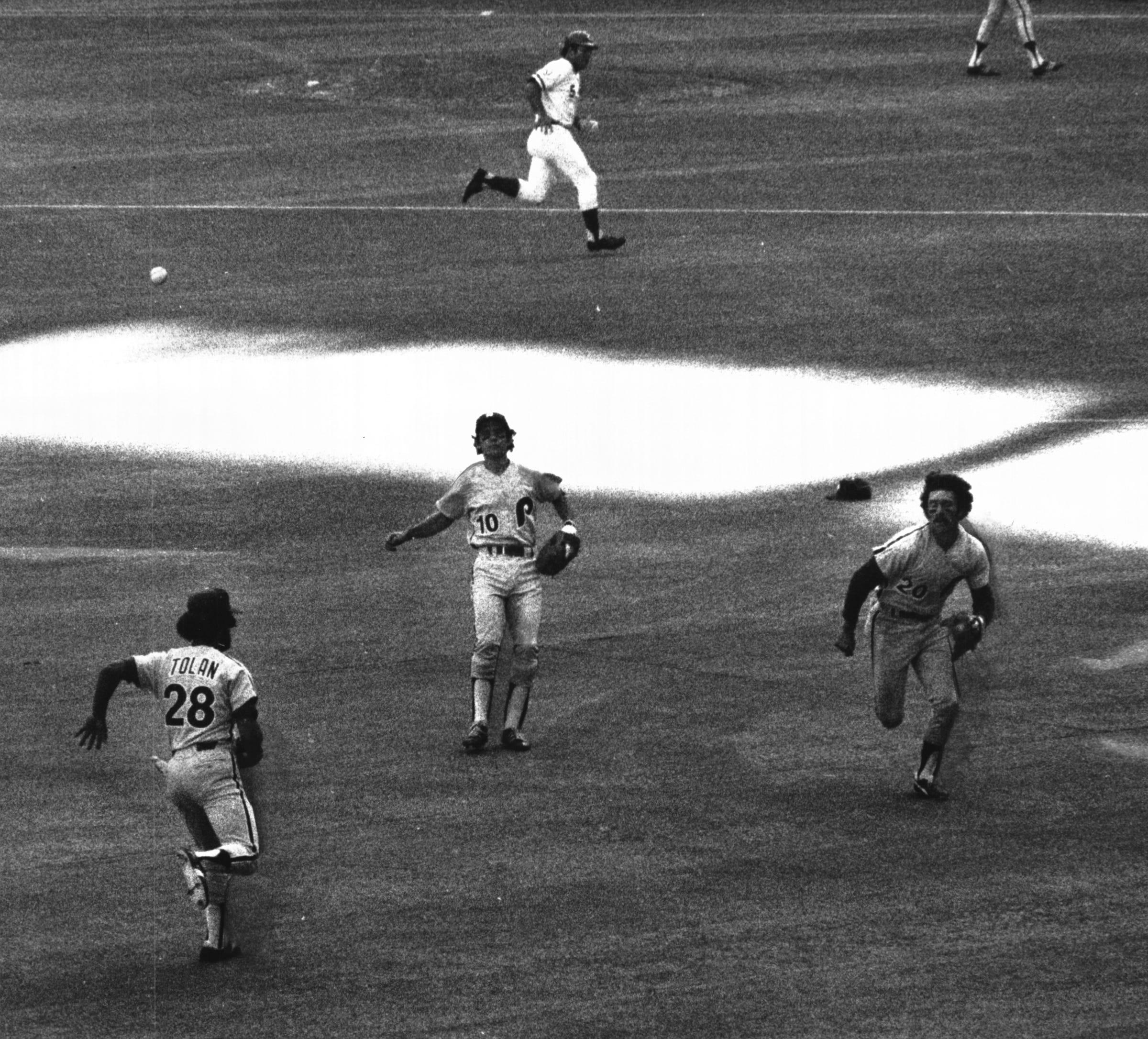 1976 Sporting News Baseball World Series Records Johnny Bench Cincinnati Reds