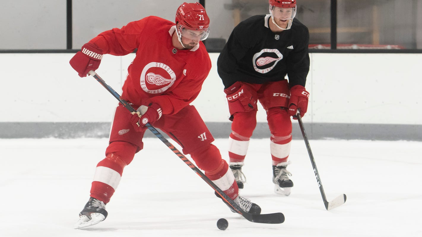 Red Wings' Dylan Larkin wants to create 'buzz around town' with fast start