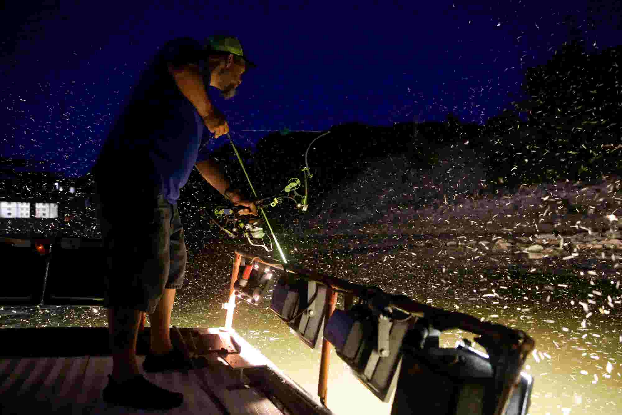 how to choose the best bowfishing lights