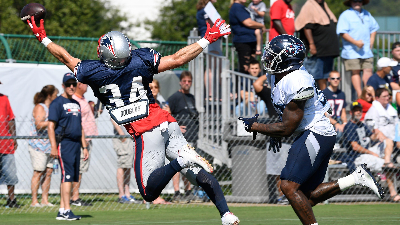23621a04 Titans, Patriots scuffle; Christion Abercrombie meets Tom Brady