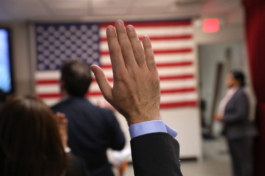 Ceremonia e naturalización