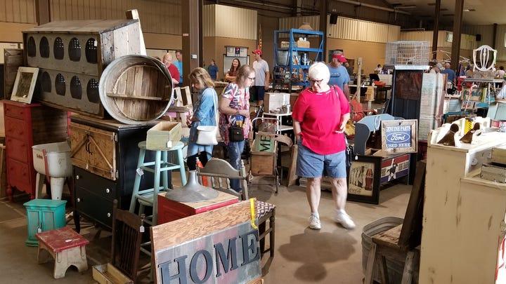 Hillbilly's Junker Jamboree features flea market, live music, Backyard BBQ