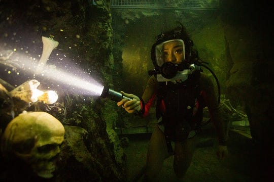 """Alexa seems to have scuba diving entirely figured out in """"47 Meters Down: Uncaged."""""""