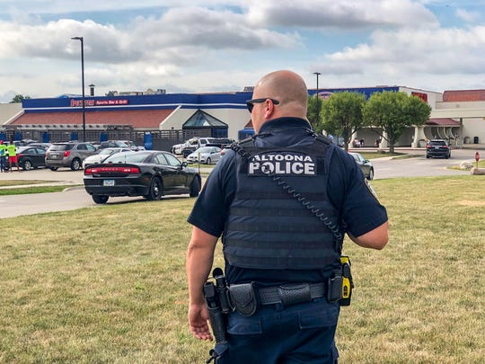 Altoona police respond to and armed robbery at Spectators restaurant Friday, Aug. 16, 2019.
