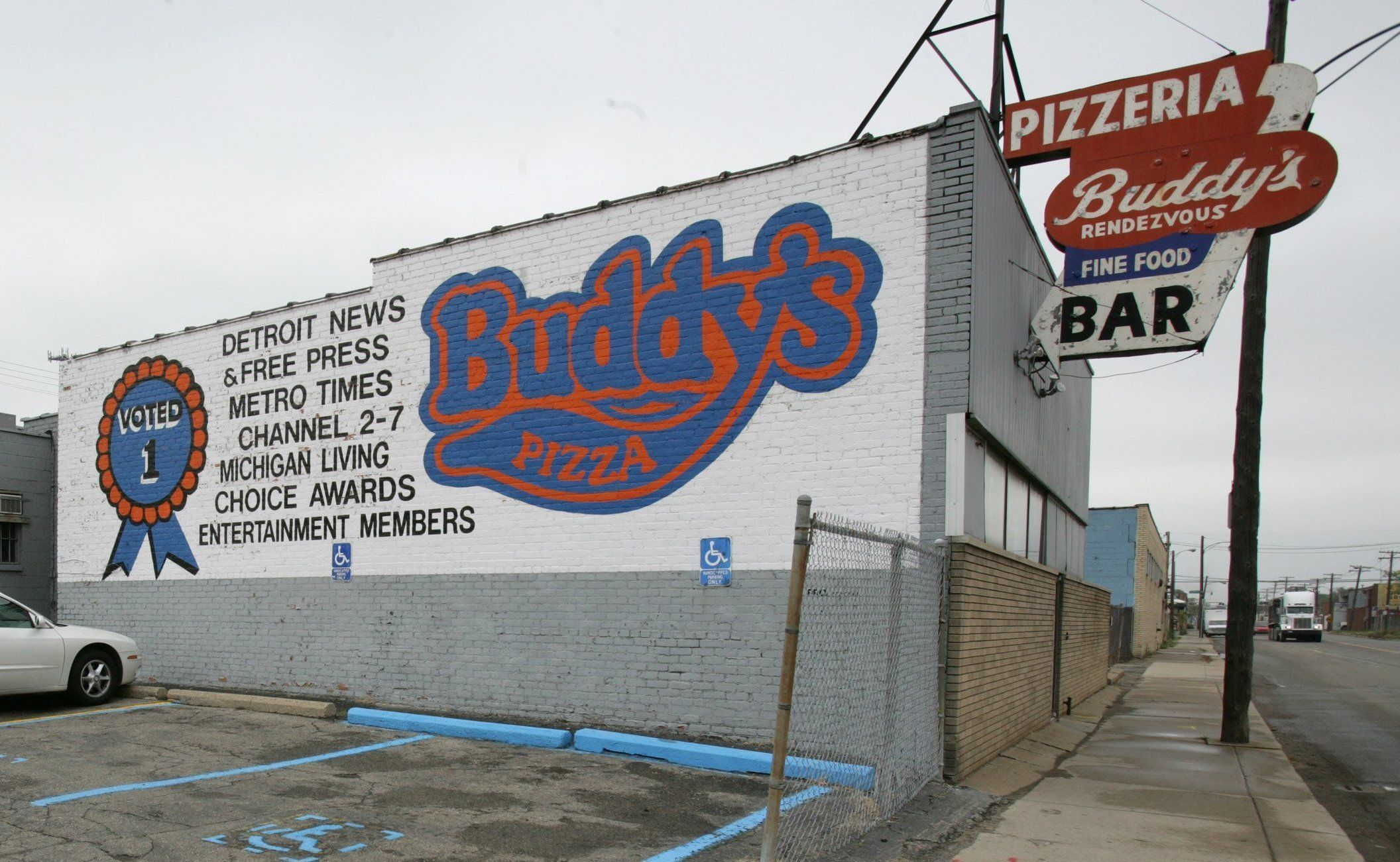 Buddy's Pizza announces plans to open Kalamazoo location