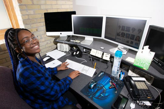 Jayla Washington works in the Duncan Entertainment Group office.
