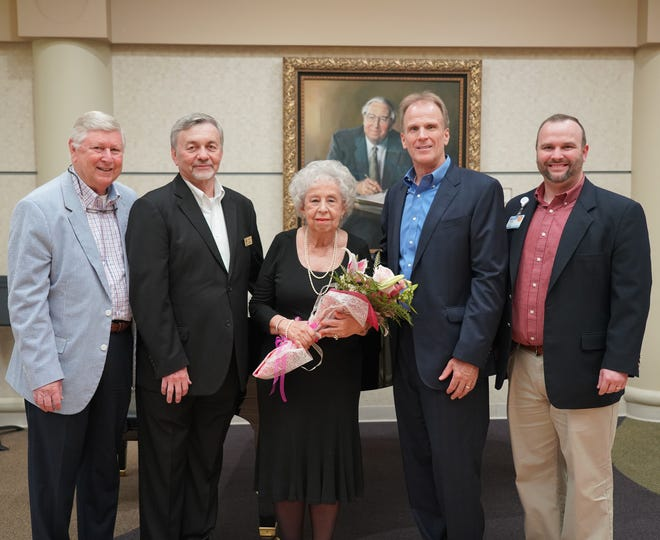 Jeannie Alley, a longtime resident of Mountain Home, recently donated a piano and established a music ministry at Baxter Regional Medical Center in memory of her parents, long-time Baxter County residents Don and Clema Alley. The late Mrs. Alley was a hospital donor who served on the Foundation Board of Directors and as their president. Officials dediciated the piano on Thursday afternoon. Pictured are: (from left)Barney Larry, Executive Director of Foundation, VP Business Development, Baxter Regional Medical Center; Jay Wescoat, Chair, Baxter Regional Hospital Foundation Board of Directors; Alley; Ron Peterson, President & CEO, Baxter Regional Medical Center; Justin Woods, Gift Officer, Baxter Regional Hospital Foundation.