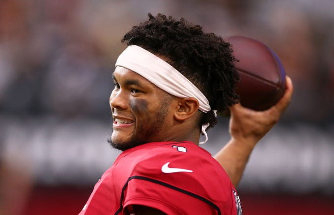 Arizona Cardinals quarterback Kyler Murray (1) prepares to play Oakland in the first half during a preseason game on Aug. 15, 2019 in Glendale, Ariz.