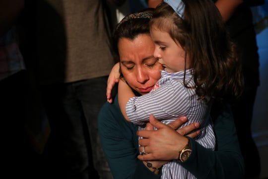 Los padres son los que más sufren con las deportaciones.