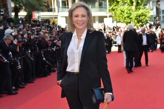 Reports: Faye Dunaway hit with lawsuit from gay assistant claiming abuse