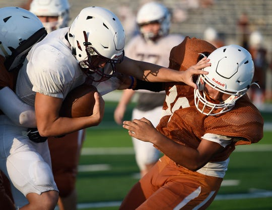 Calallen faces Beeville in a preseason scrimmage, Friday, Aug. 16, 2019.