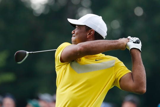 Tiger Woods shot 67 Saturday after a round of 71 to 7 on Saturday BMW Championship.