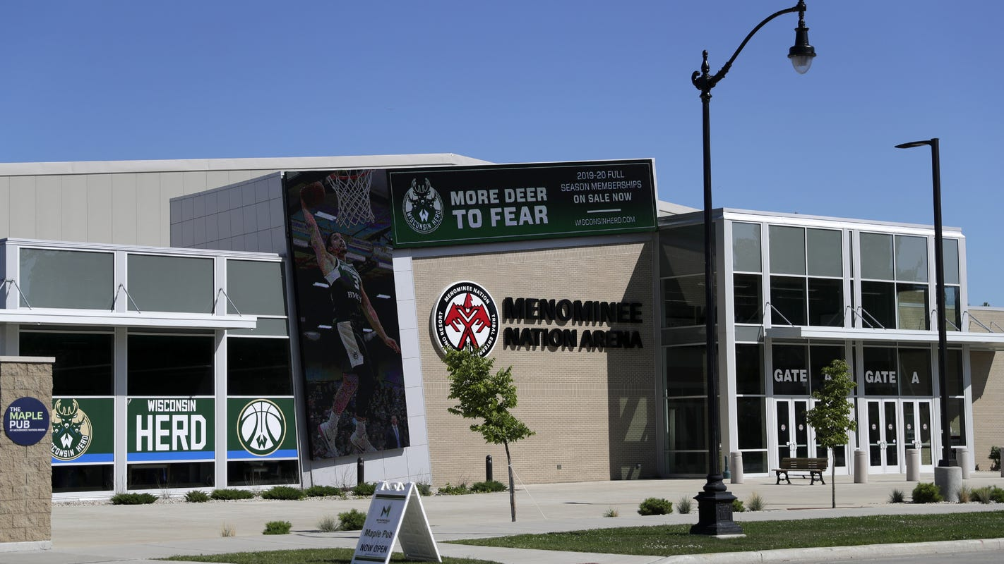 Menominee Nation Arena may borrow up to $200,000 from sister company to stay open