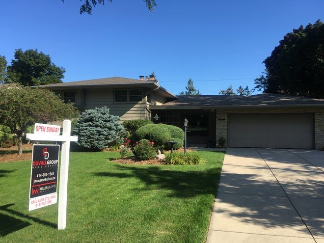 July sales of existing homes in Wisconsin increased 3%.