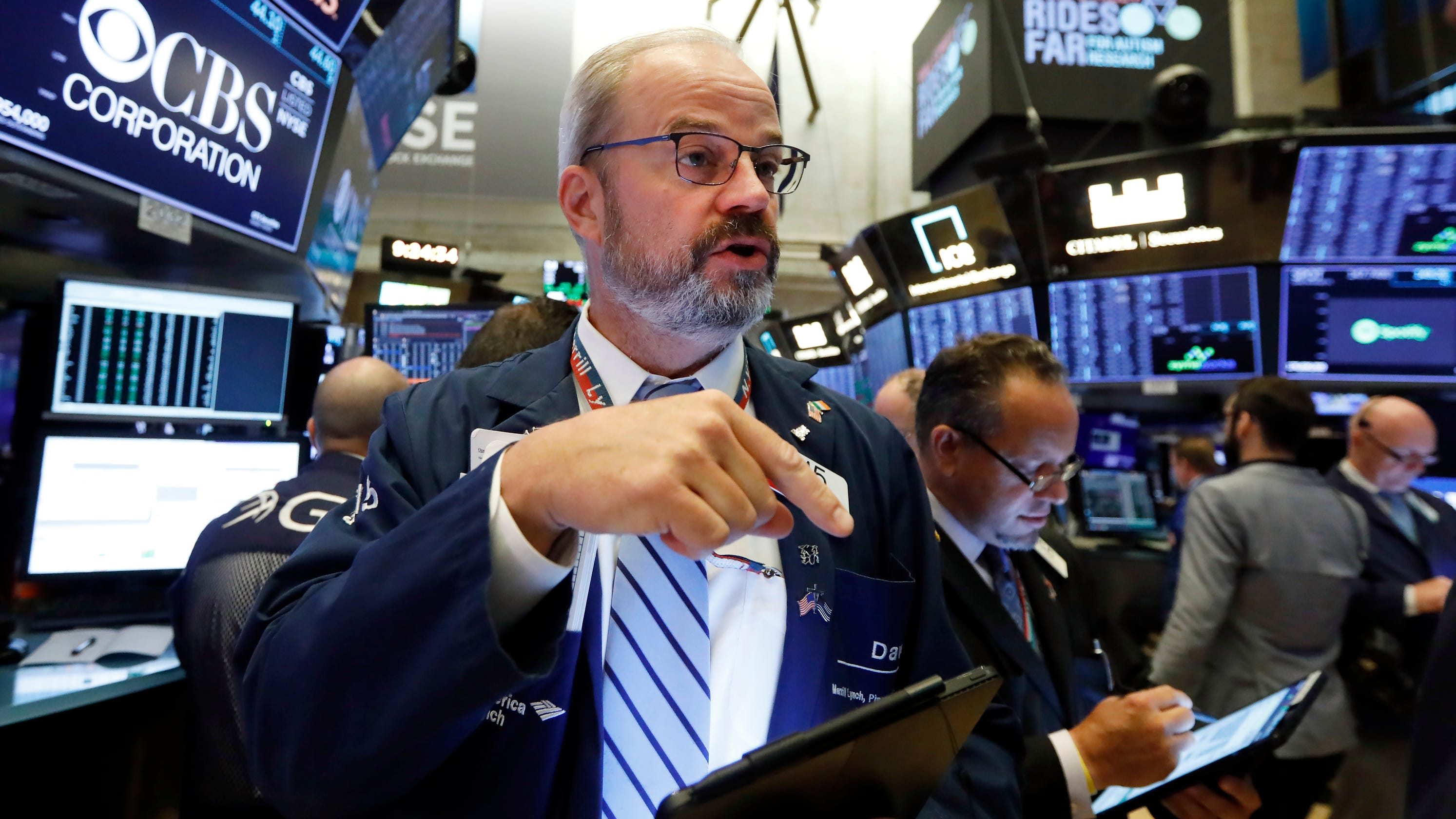 Tech stocks power solid gains on Wall Street: Dow, S&P 500 jump up