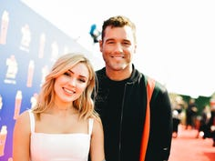 SANTA MONICA, CALIFORNIA - JUNE 15: (EDITORS NOTE: Image has been processed using digital filters) Cassie Randolph (L) and Colton Underwood attend the 2019 MTV Movie and TV Awards at Barker Hangar on June 15, 2019 in Santa Monica, California. (Photo by Matt Winkelmeyer/Getty Images for MTV) ORG XMIT: 775353464 ORIG FILE ID: 1156214340