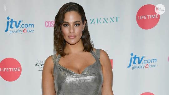 Pregnant Ashley Graham's nude photo of stretch marks wins praise from fans and celebrities
