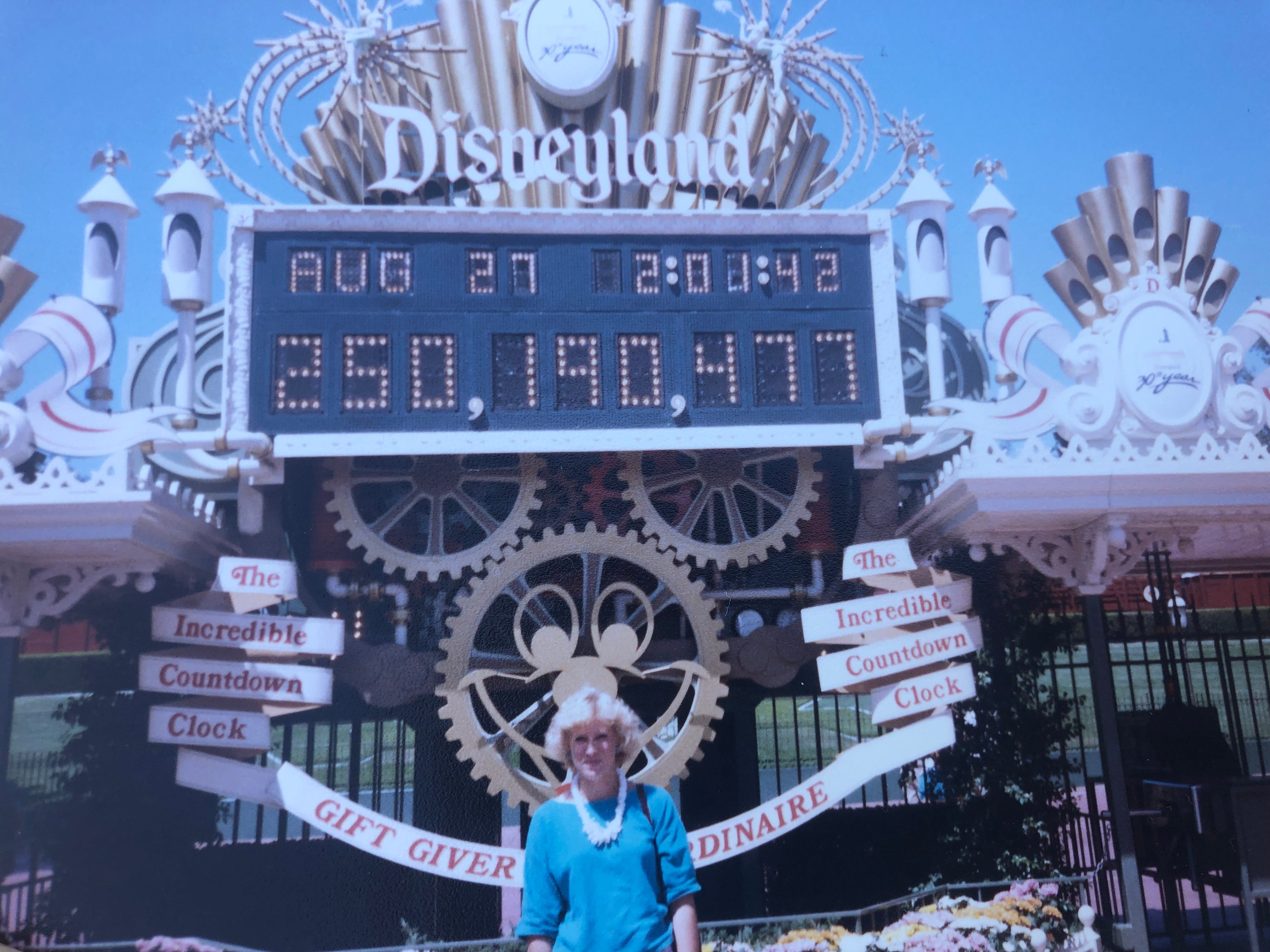 Disneyland Lets Woman With 34 Year Old Free Admission Pass Into Park