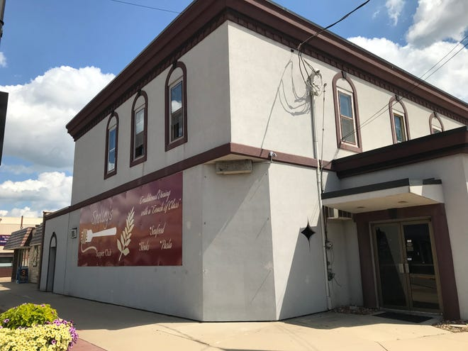 Shelley's Supper Club was sold in Little Chute to a real estate investor.