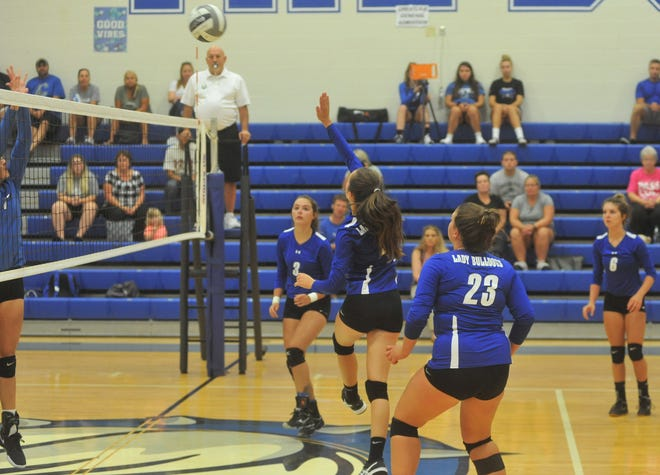 Ivy Stewart returns after leading the team in kills and assists last season.
