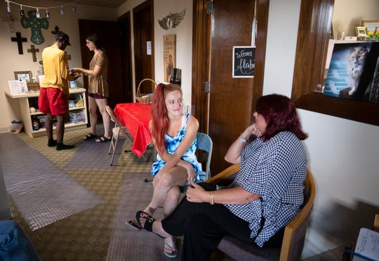 Mariah, 24, talks to Scarlet Hudson about getting into addiction treatment.