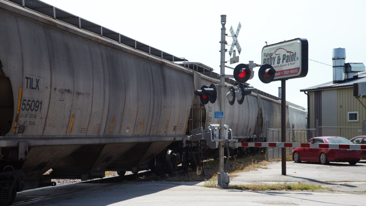 Trains block east-side Des Moines streets for hours, prompting accidents, outcry from nearby businesses