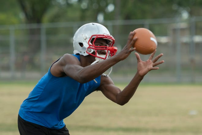 Receiver Darryl Cooper will be one of Ecorse's top targets this season.