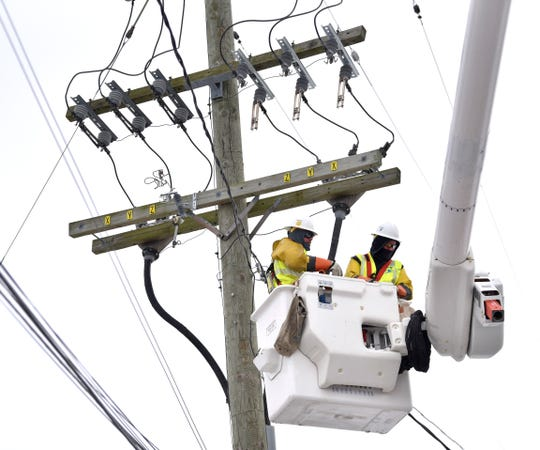 DTE residential customers who use 500 kilowatt-hours of electricity monthly will pay a 52-cent surcharge, while those who use 10,000 cubic feet of natural gas a month will get a 58-cent credit.