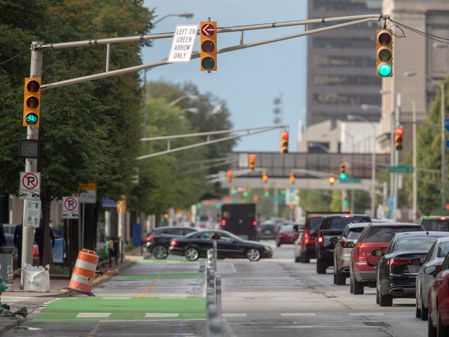 Indianapolis Traffic Red Line Project Brings Bike Lane To Illinois St