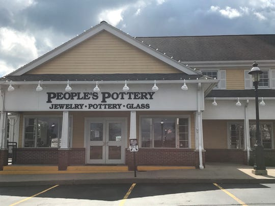 People's Pottery  in Pittsford closes.