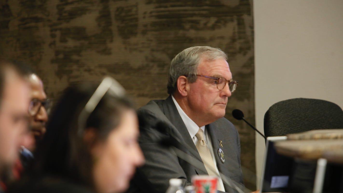 El Paso Mayor Dee Margo seeks special election to replace city Rep. Cassandra Hernandez