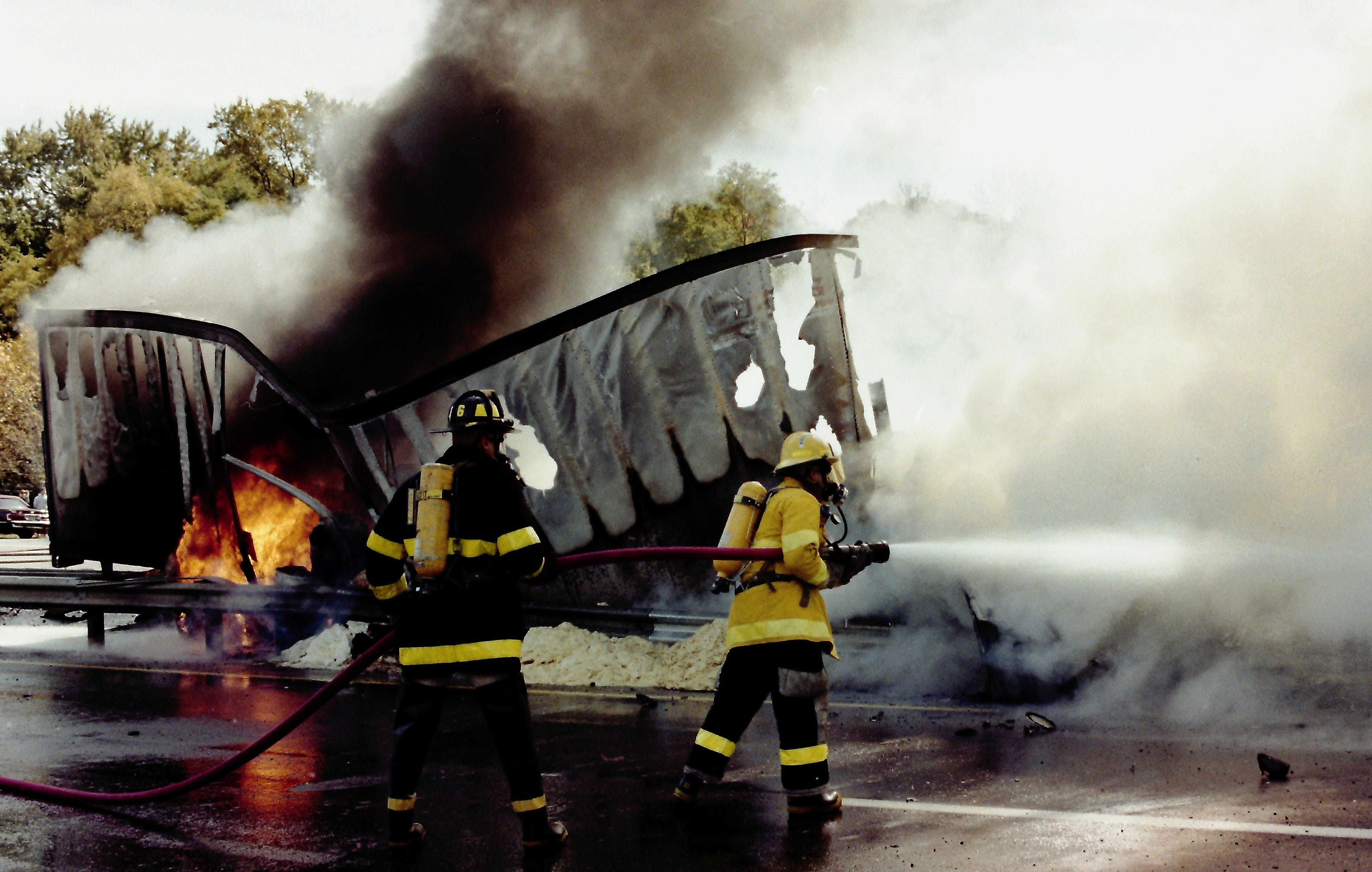 Tractor-trailer crashes, burns in 1992 on I-287