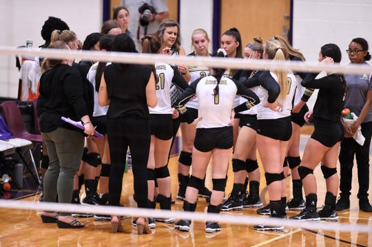 Abilene High coach Didi Pierce talks to her team during a timeout against Wylie in 2019. Pierce spent 25 of her 26-year coaching career at AHS and the last 24 as head volleyball coach. She is moving to assistant positions at Copperas Cove to be able to watch youngest daughter Allison play at Mary Hardin-Baylor.