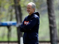 Chuck Pagano is handing out 'money' in the Chicago Bears locker room