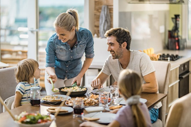 As your family heads into a flurry of activity, make dinnertime bonding easy with ready-to-eat and ready-to-cook dinners.
