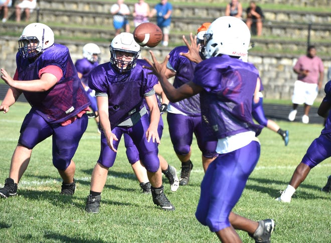 Waynesboro prepares for its season during an intersquad scrimmage August 9.