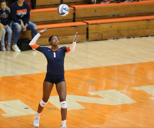 Serena Patterson is a sophomore outside hitter for the UTEP volleyball team