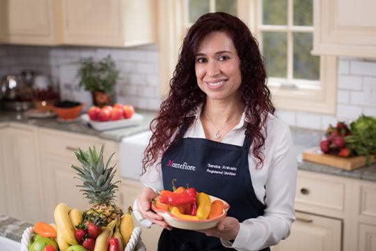 Sandra Arevalo es Dietista Certificada, Director of Community & Patient Education de Montefiore Nyack, y portavoz de AND y AADE.
