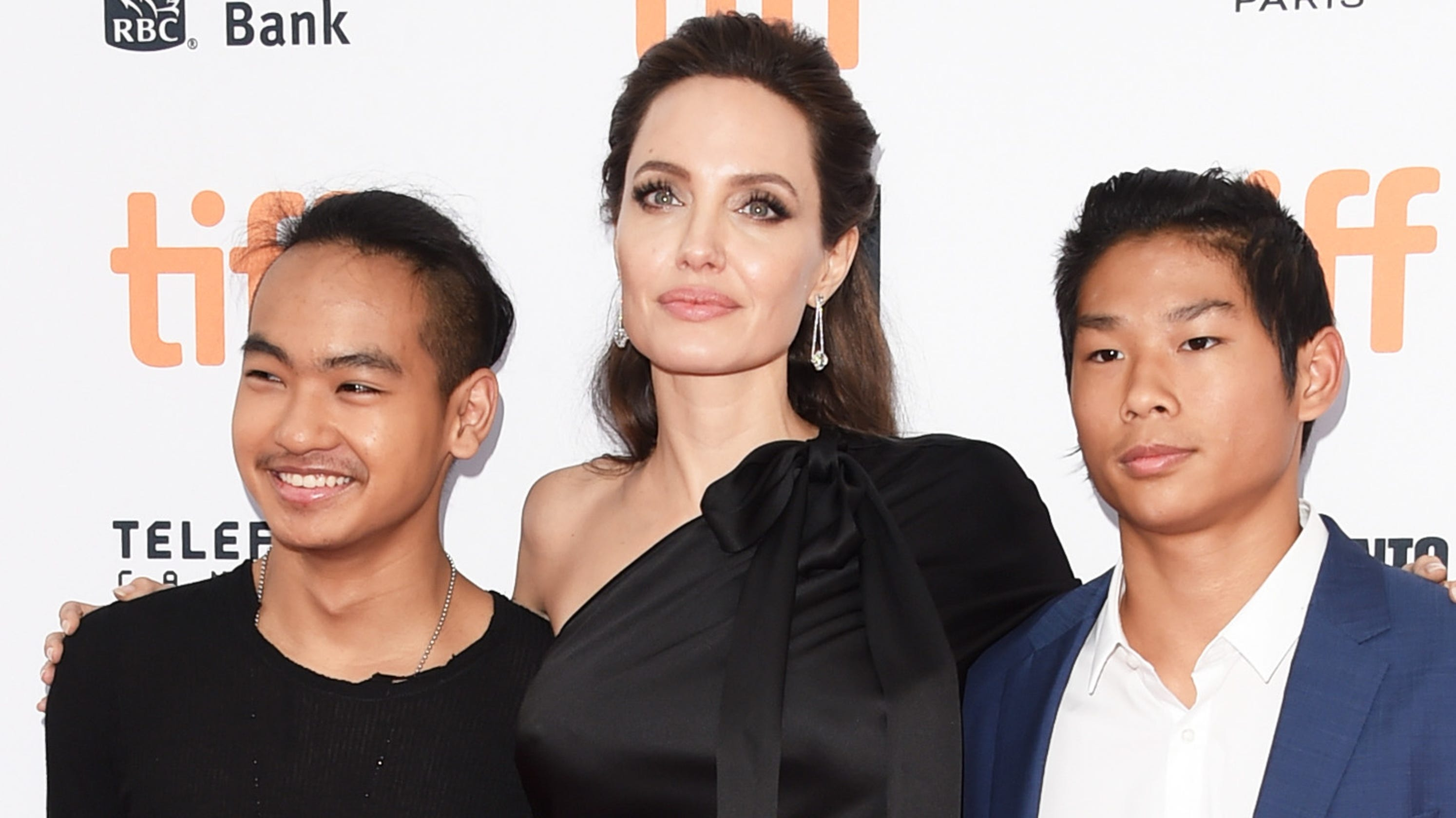 Angelina Jolie Explaining Her Emotional Farewell To College