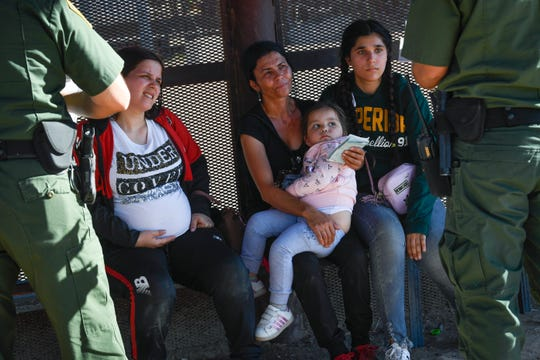 SAN LUIS, Ariz. – United States Border Control agents talk to a pregnant woman with her three-year old child and a 41-year-old woman with her 13-year-old daughter. They spoke no English, just enough to ask for water.