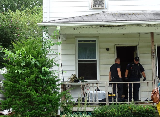 Four people were arrested during a drug raid at 115 Wallace Ave. on Thursday afternoon.
