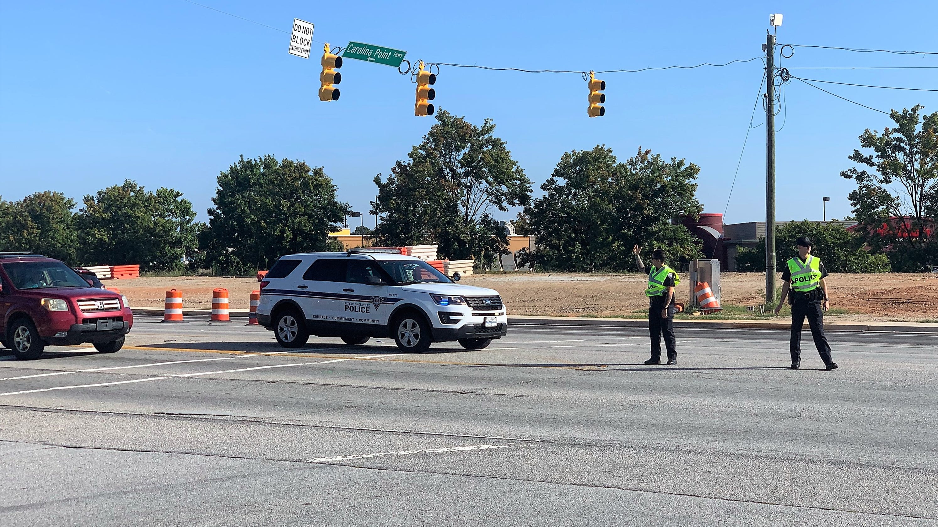Traffic light near I-85, Woodruff road without power after wreck