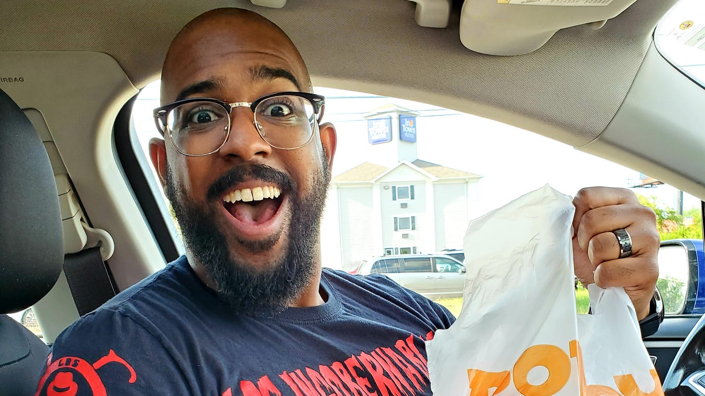 Review of the hyped Popeyes Chicken Sandwich, prepared by Jedi masters