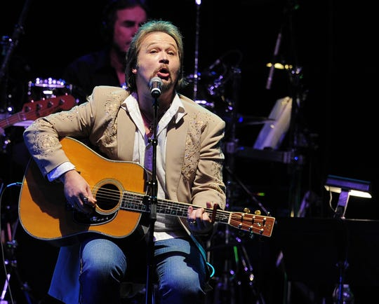 Country legend Travis Tritt will perform live in concert Thursday at the Saenger Theatre.