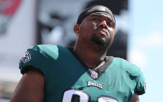 Philadelphia Eagles defensive tackle Bruce Hector (98) could help the Arizona Cardinals up front.