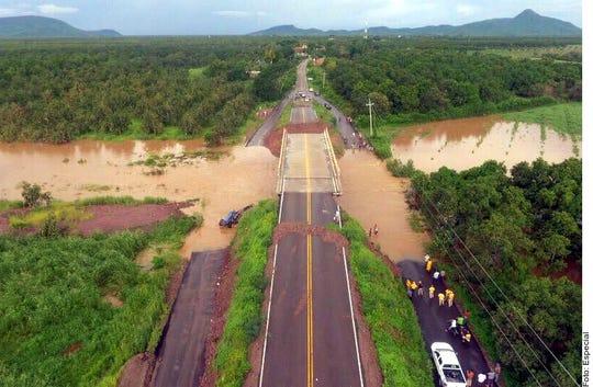 La tormento 'Ivo' dejó incomunicadas a varias comunidades en Sinaloa. Rosario fue el Municipio con mayor número de afectaciones.