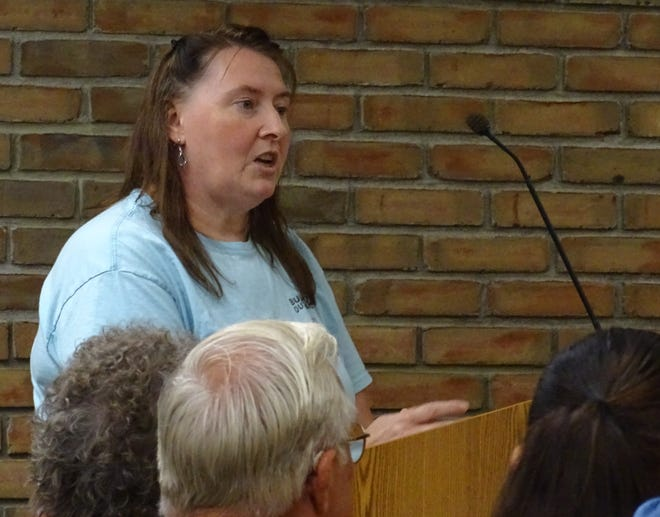 BORN member Tabby Linn speaks to Bucyrus City Council members during a Tuesday meeting of the platting committee.
